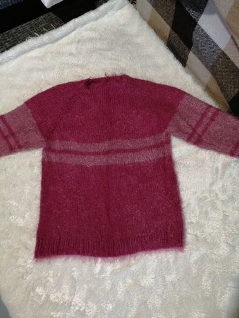 Продам свитер на рост 128-134