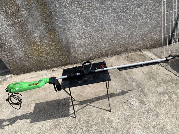 Corta sebes eléctrico com braço extensível - 710 watts