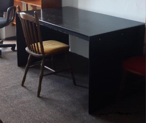 2 duże solidne drewniane biurka - blat 156x80cm