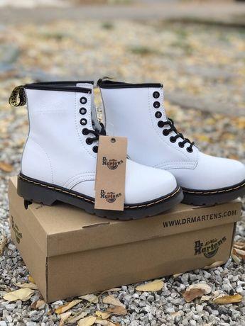 Женские ботинки Dr.Martens 1460 Белые Демисезон