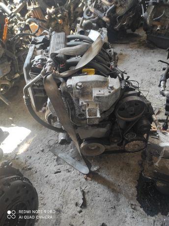 Двигатель 1.6 16V, K4M 708 Scenik Megane Clio