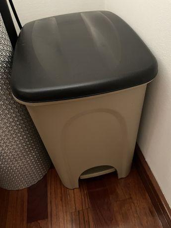 Vendo caixote lixo / reciclagem