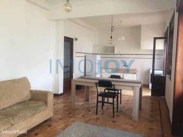 Apartamento T3 para Arrendamento Mobilado na Av. Fernão M...