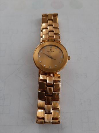Женские швейцарские часы Delma