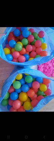 Piłki plastikowe