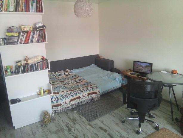 Однокімнатна квартира студія з авторським ремонтом район 12 школи