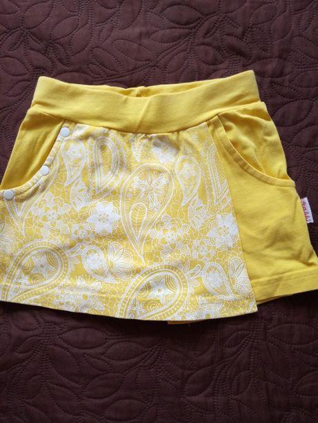 Футболка, шорты, сарафан, плащ - вещи для девочки 2-4 лет