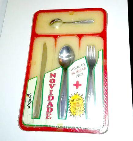 Faqueiro NOVO + Tabuleiro (talheres, facas garfos colheres + tabuleiro