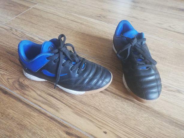 Кросівки сороконіжки