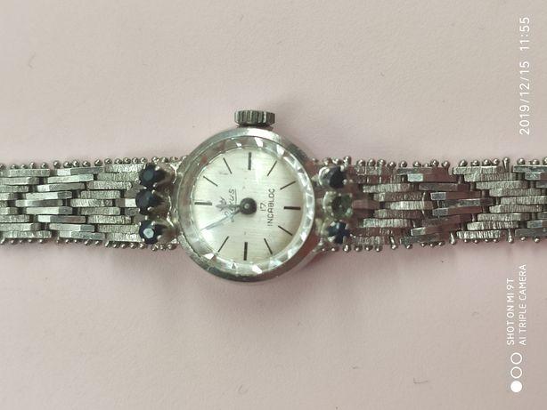 Женские часики серебряные Luxus