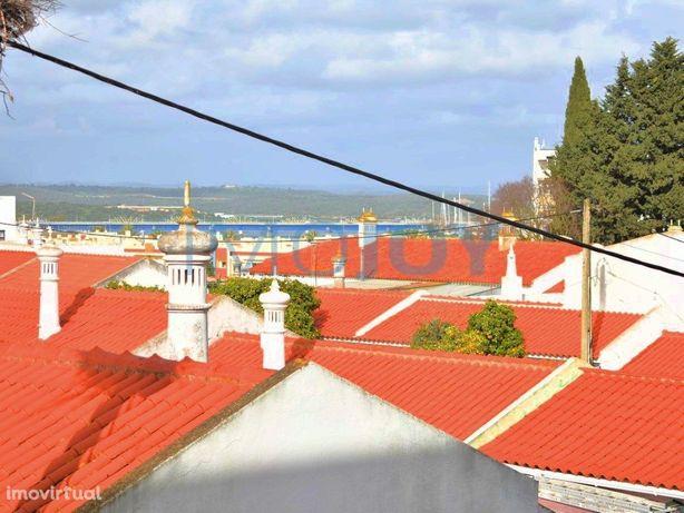 Apartamento T3 No Centro De Portimão Com Vista Rio Perto ...