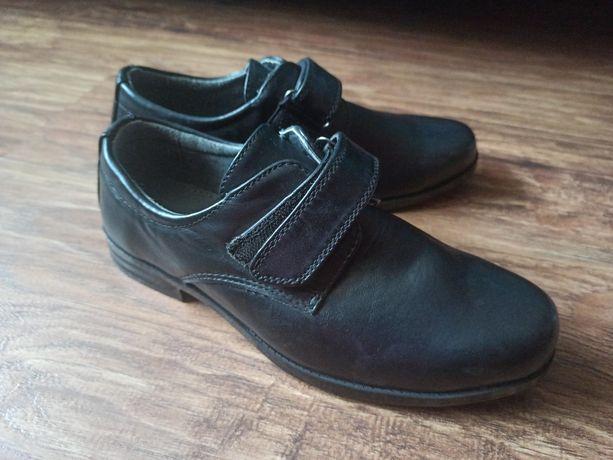 Продам туфлі на хлопчика