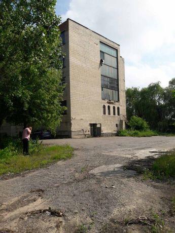 Продаж комерційного приміщення та 134сотки землі по вул. Енергетична!