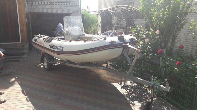 Продам лодку колибри,мотор yamaha 25
