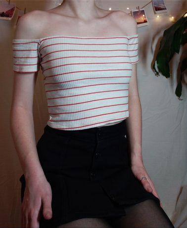топ с открытыми плечами