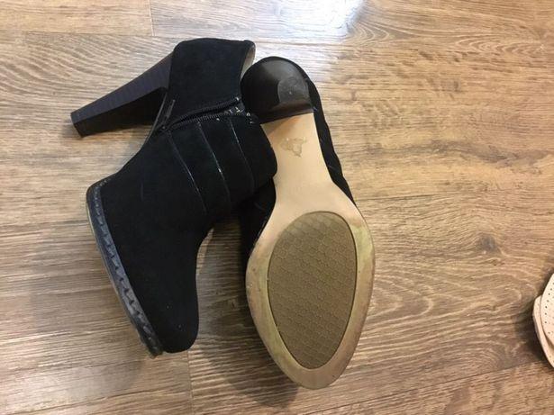Продаю ботиночки женские демисезонные
