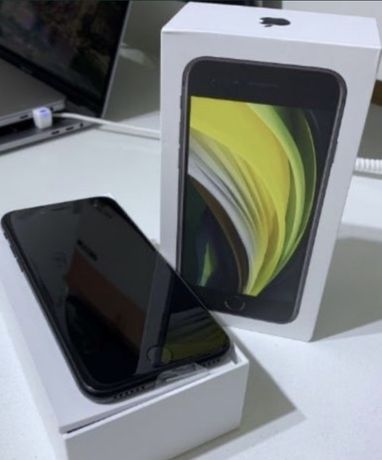 Новый iPhone SE 2020. 64 GB , цвет чёрный, в пленке , документы , коро
