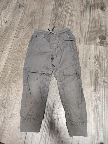 Spodnie chłopięce rozmiar 104 SMYK