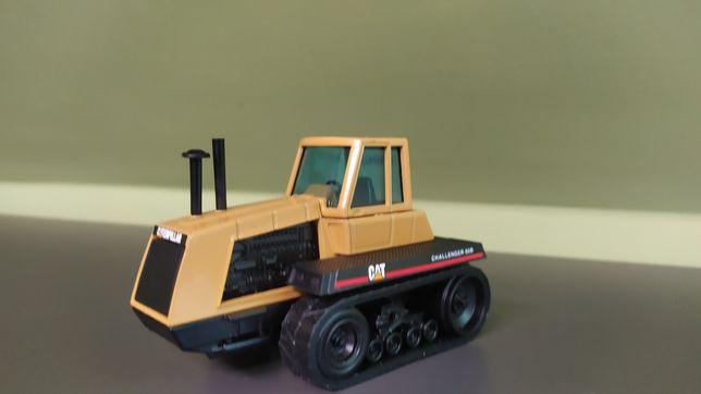 Traktor Cat Joal jak siku britains universal Hobbies