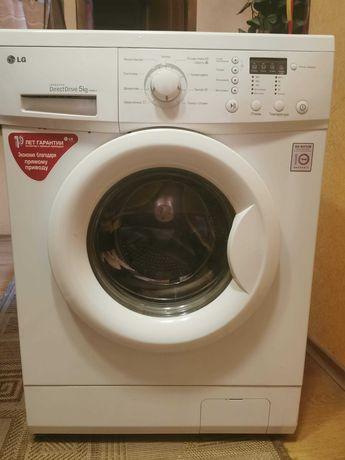 Продам стиральную машинку LG F8068LD