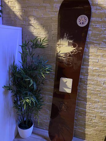 Deska Snowboardowa 151cm