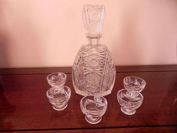 Lindíssimo conjunto antigo, Cristal de Boémia, garrafa e copos