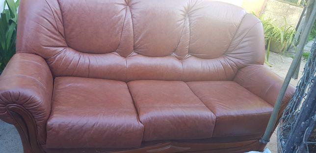 Sofa em pele 3 lugares