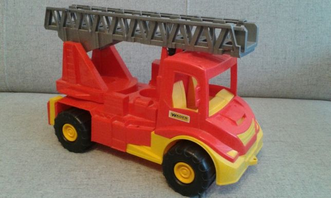 Samochód strażacki duży, wysuwana drabina