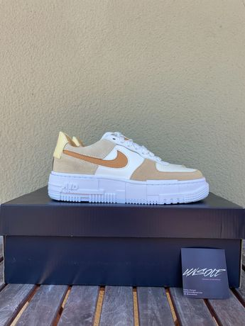Nike Air Force 1 Pixel Coconut Milk W