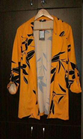 Новый Кардиган пиджак желтый в листьях S