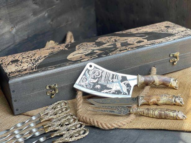 Елітний набір для шашлику Лев у расписному кейсі з бука. Шампура
