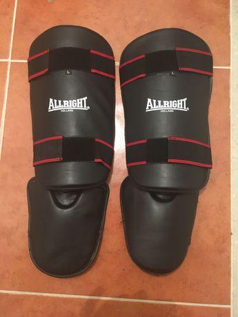 Ochraniacze nagolenniki ze stopą Allright L