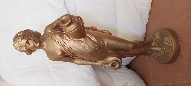 Estátua em cimento