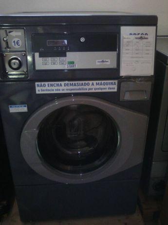 Máquinas de lavar profissionais com moedeiro Tecnitramo Portugal