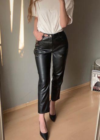 Zara Czarne spodnie z eko skóry z wysokim stanem