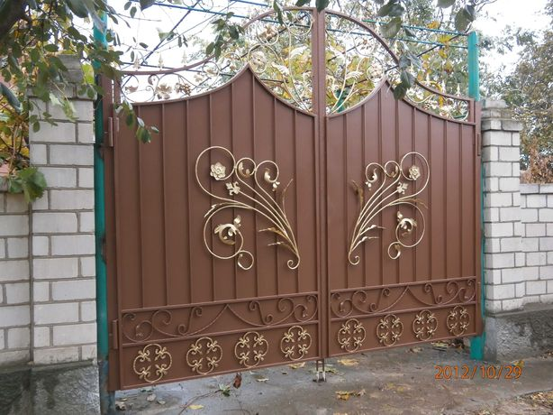 Металлоизделия. Двери, ворота, решетки, навесы, лестницы, ограды.