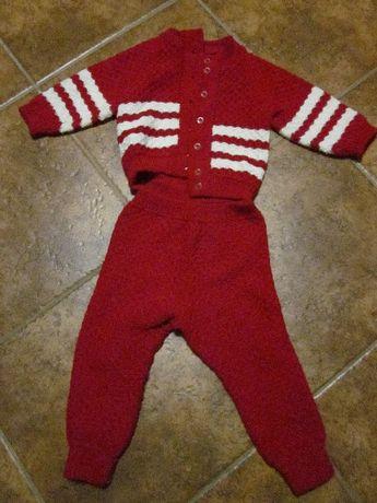 Продам вязаный костюмчик для девочки