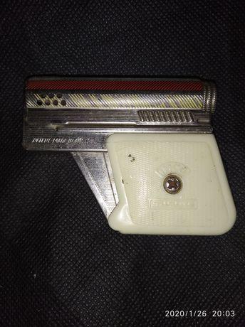 Пистолет зажигалка Австрия!