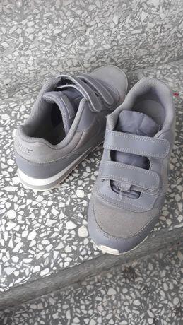 Adidasy Nike 34