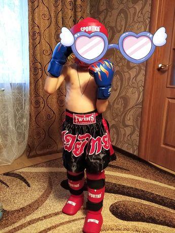 Защита на ноги для бокса(можно с перчатками и шлемом)