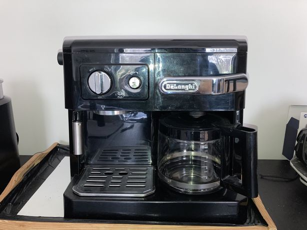 Ekspres ciśnieniowo- przelewowy do kawy DeLonghi BCO 420