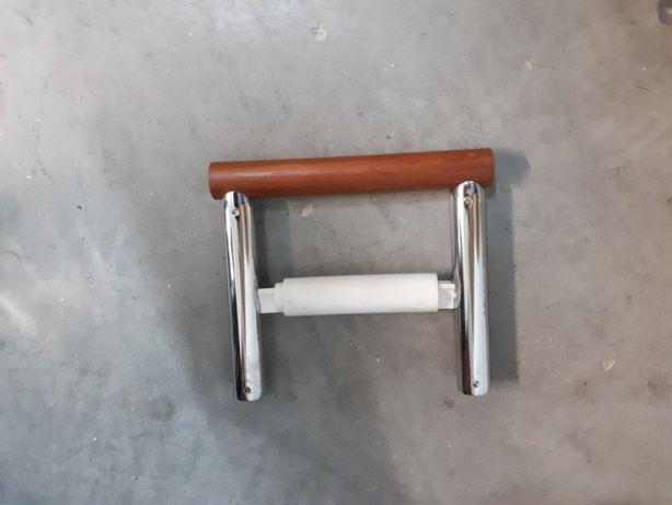 toalheiro - porta rolo em madeira e metal