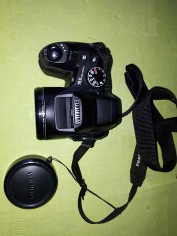 FujiFilm S2000HD