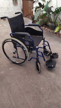Cadeira de rodas como nova