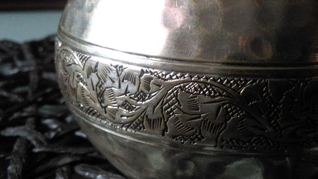 Piękna metalowa bransoletka