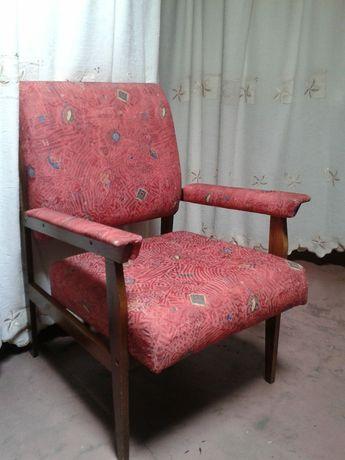 Fotel. Nowa tapicerka.