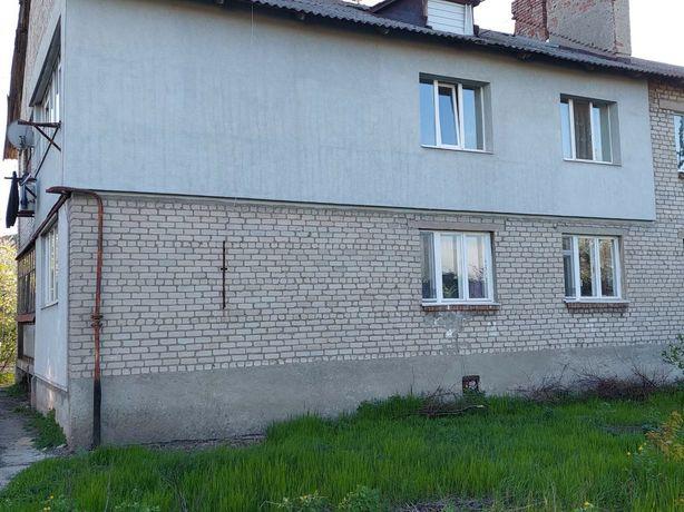 Продам двухкомнатную квартиру в пгт Никольском