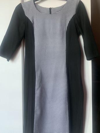Sukienka w pepitkę rękaw 3/4 M