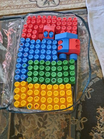 Конструктор строительный пластиковый
