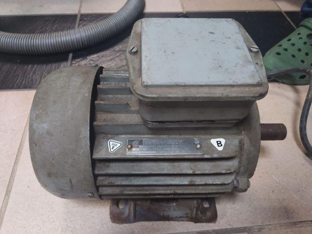 Silnik elektryczny trójfazowy 2,2kW 2860 obr./min - Tamel